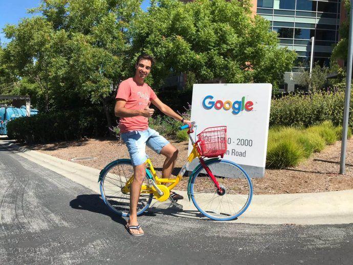Collega-Stefano-bij-Google-op-de-fiets-2