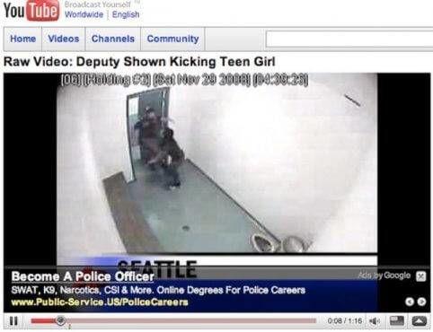 Kom bij de politie bij video officer slaat verdachte