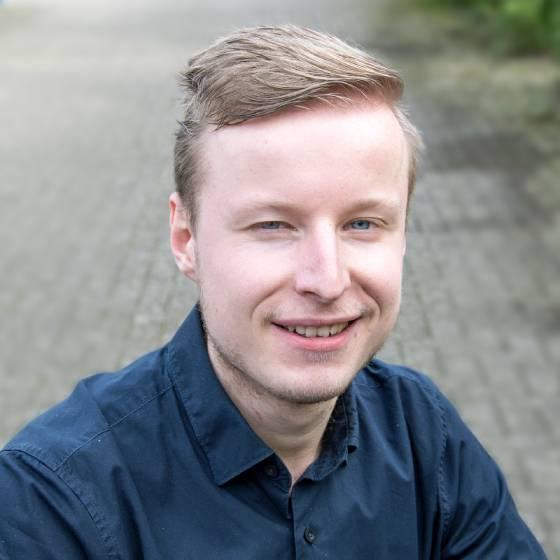 Junior digital marketing expert Dylan Korenromp bij Team Nijhuis