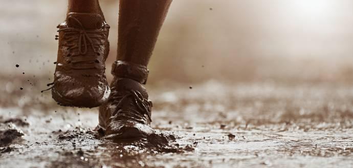 Modderige schoenen onderhouden in inbound in de care fase